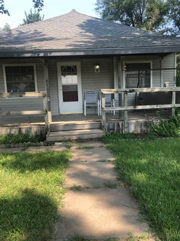 For Sale: 306 W 7th St, Preston KS