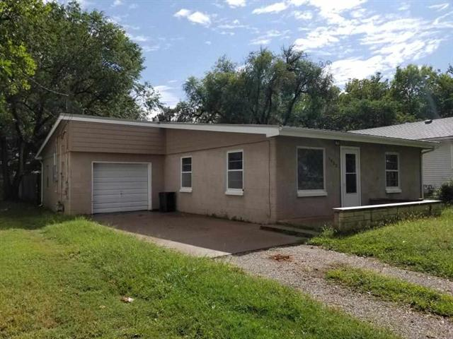 For Sale: 1923  CENTRAL AVE, Winfield KS