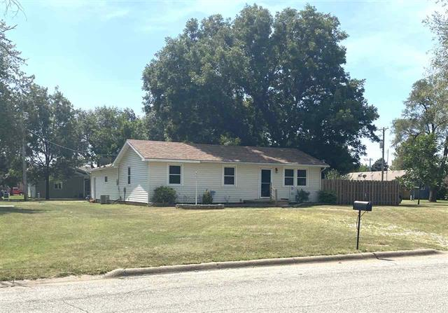 For Sale: 709 W 11th, Harper KS