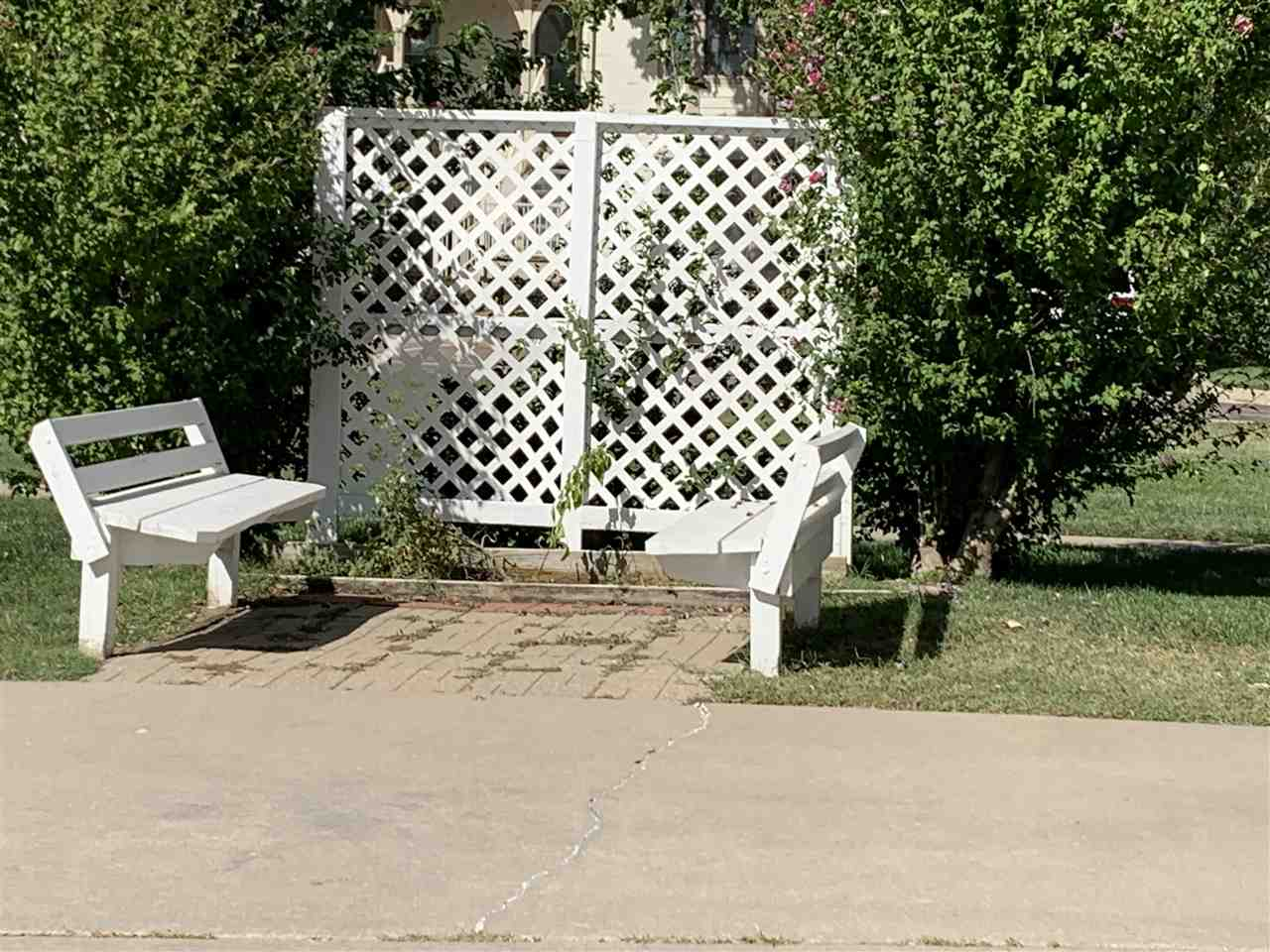 For Sale: 8052 E WINDWOOD CT, Wichita KS