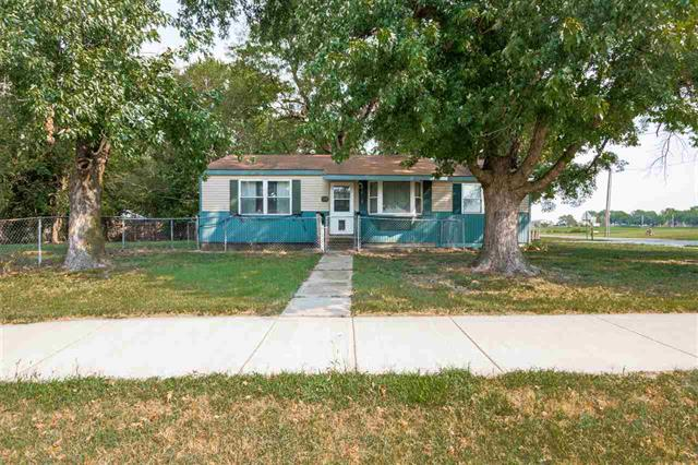 For Sale: 504 E 4th St, Sedgwick KS