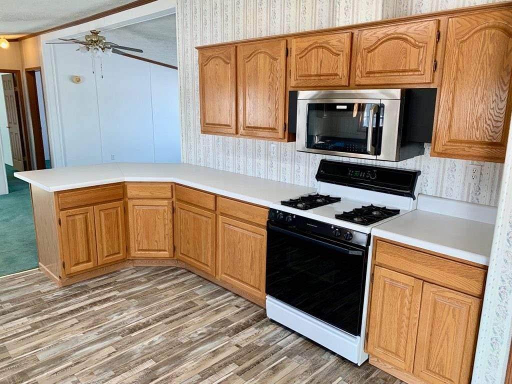 For Sale: 1962  140th St, Eureka KS