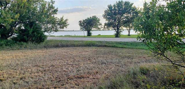 For Sale: 506 SE Lake Road, Wellington KS