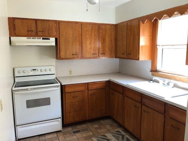 For Sale: 514 S KANSAS AVE, Newton KS