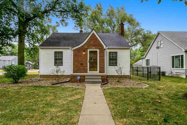 For Sale: 1124 N Maple St, McPherson KS