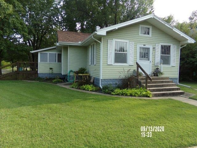 For Sale: 621 E 12th Ave, Winfield KS