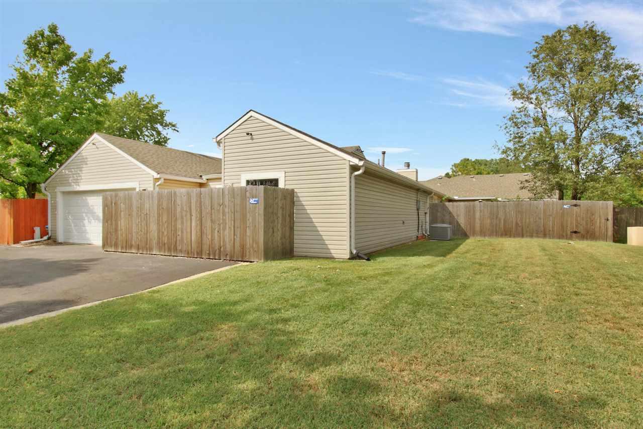 32 Chisholm Creek Dr, Wichita, KS 67220