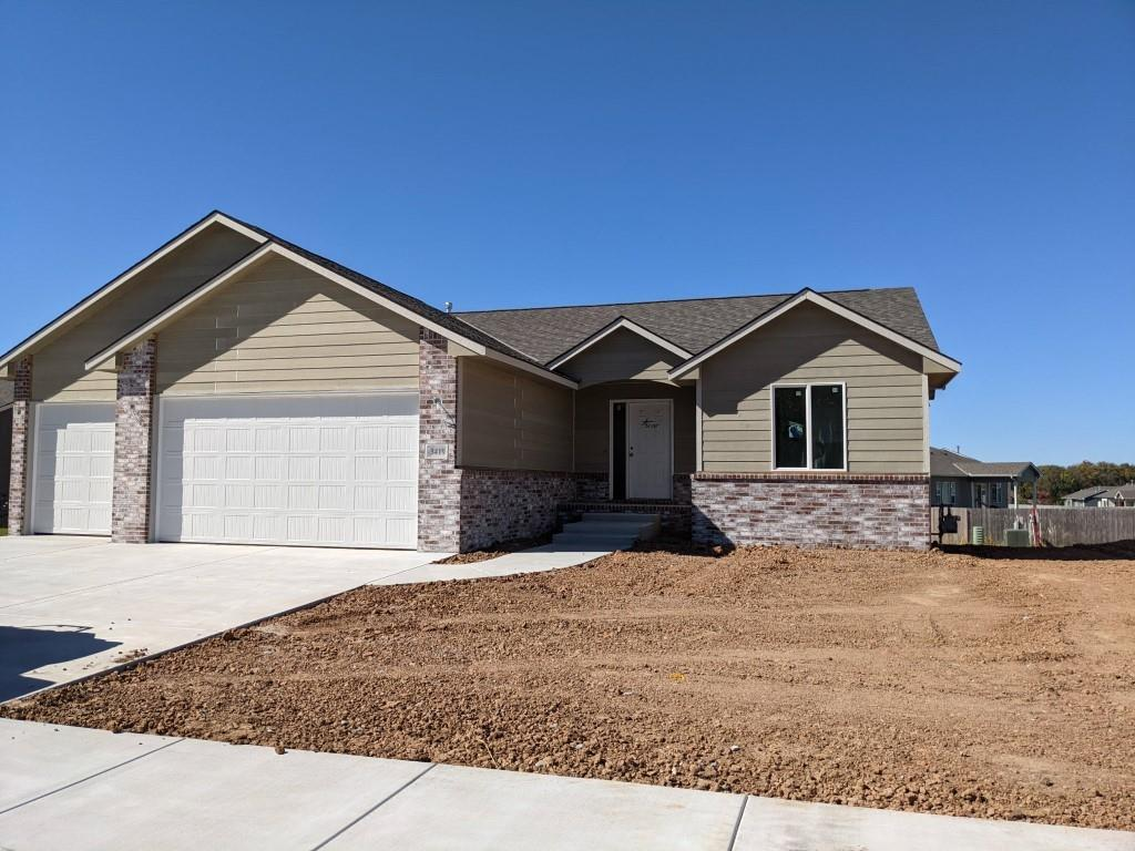 This hope take inspiration from the very succesful Model Home.  Open floor plan from Don Klausmeyer