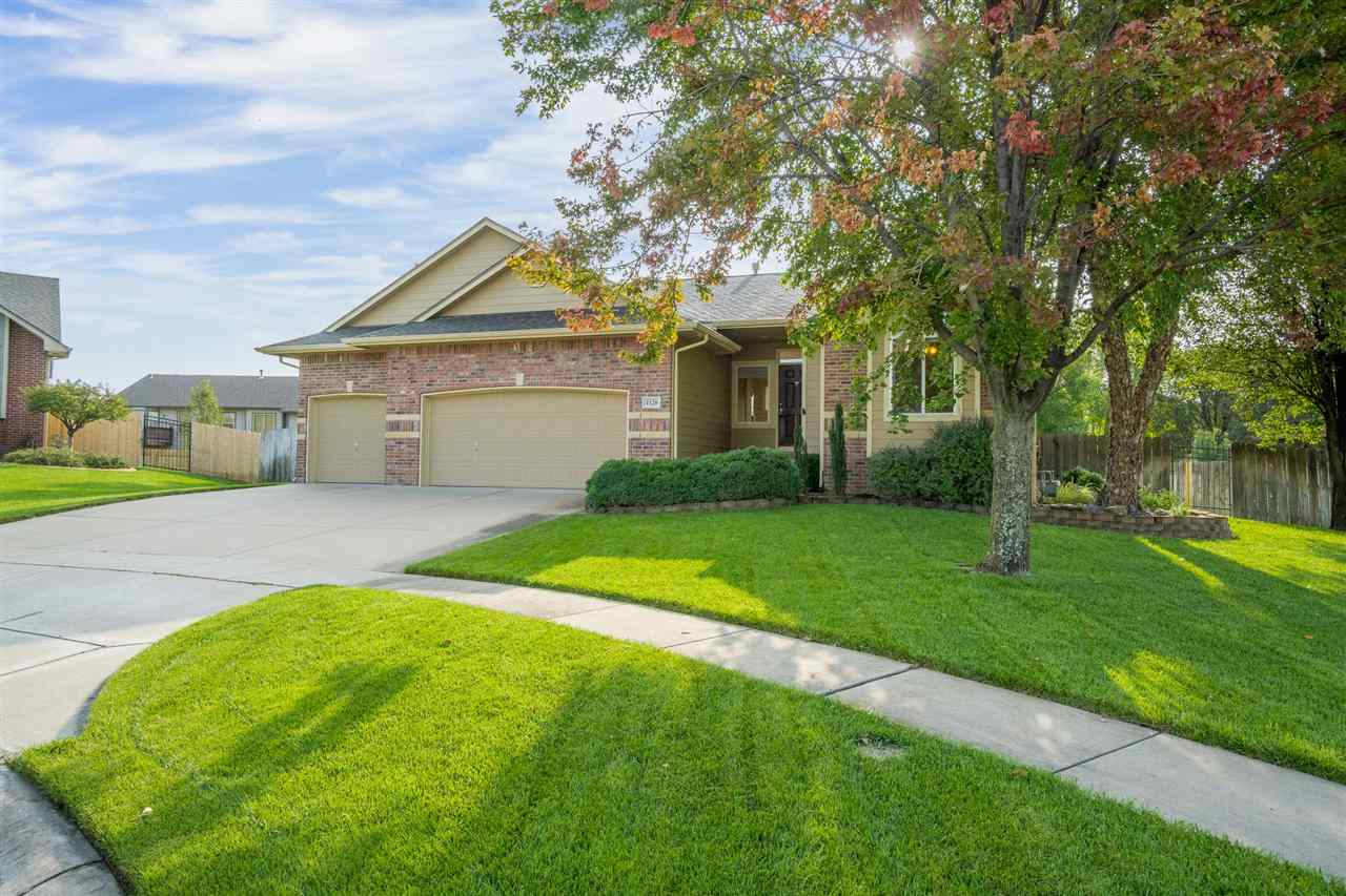 Beautiful Derby Home located on a cul-de-sac in the wonderful Southcrest neighborhood with excellent