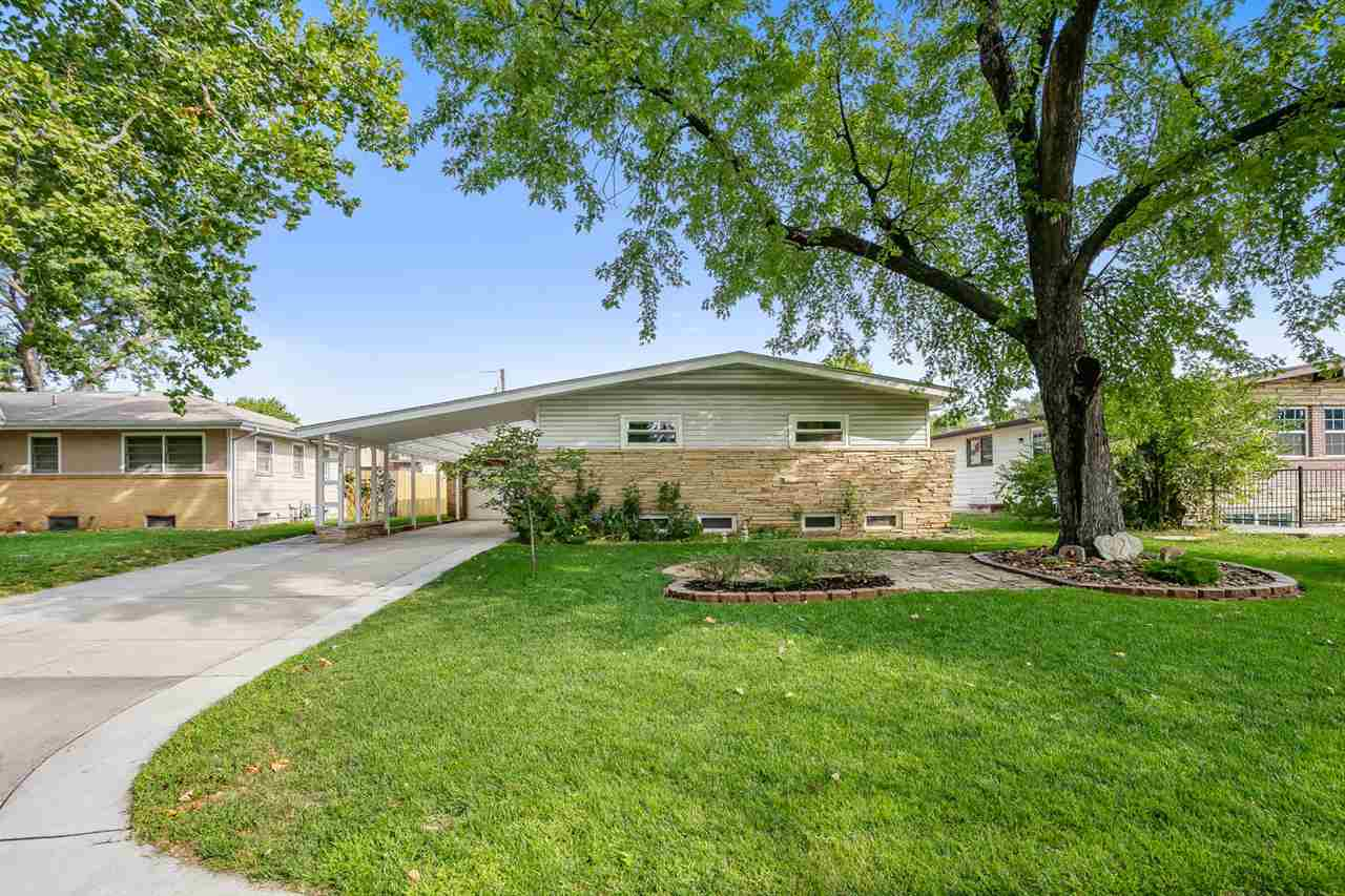 Welcome to your clean, updated, move in ready home! This immaculate 3 bedroom, 2 and a half bath hom