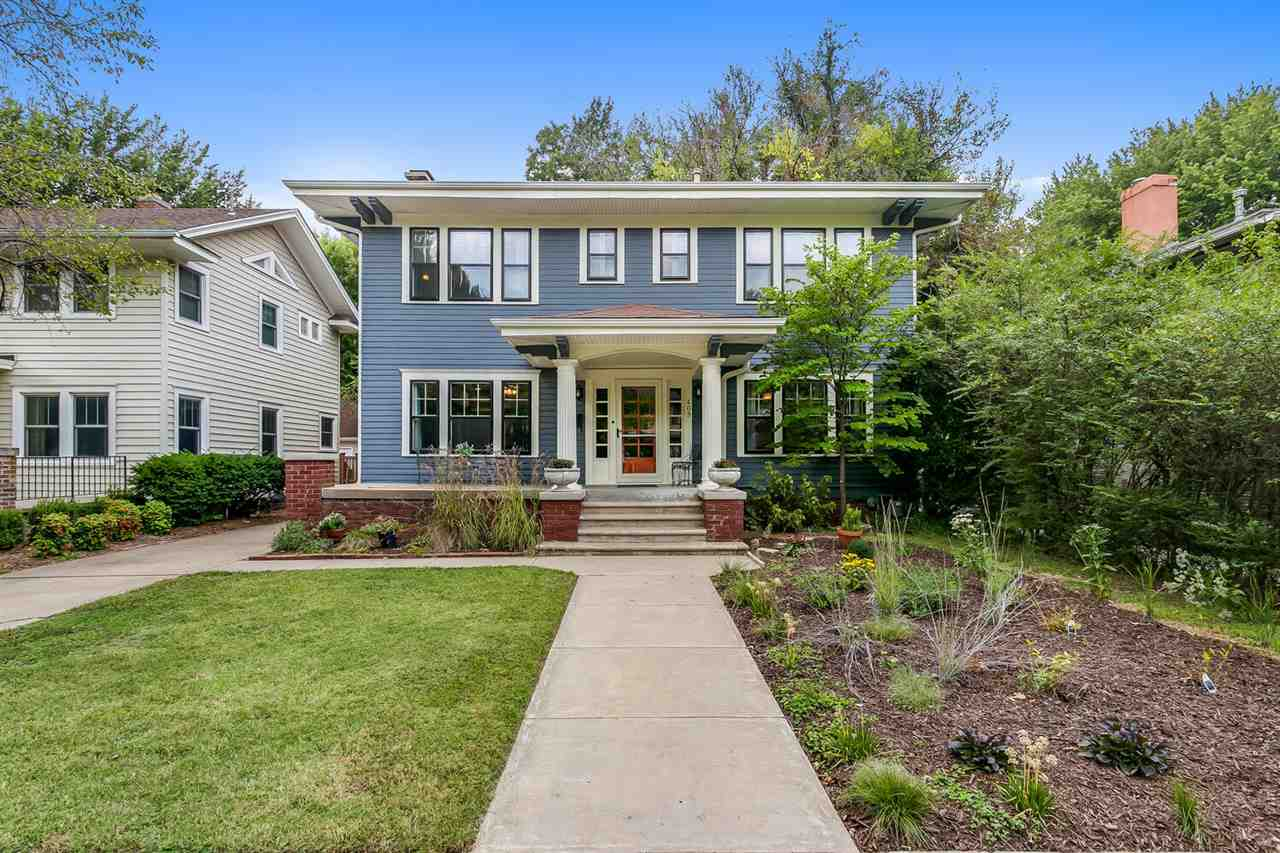 Don't miss this pristine College Hill Colonial loaded with charm and personality! Slate entry, crown