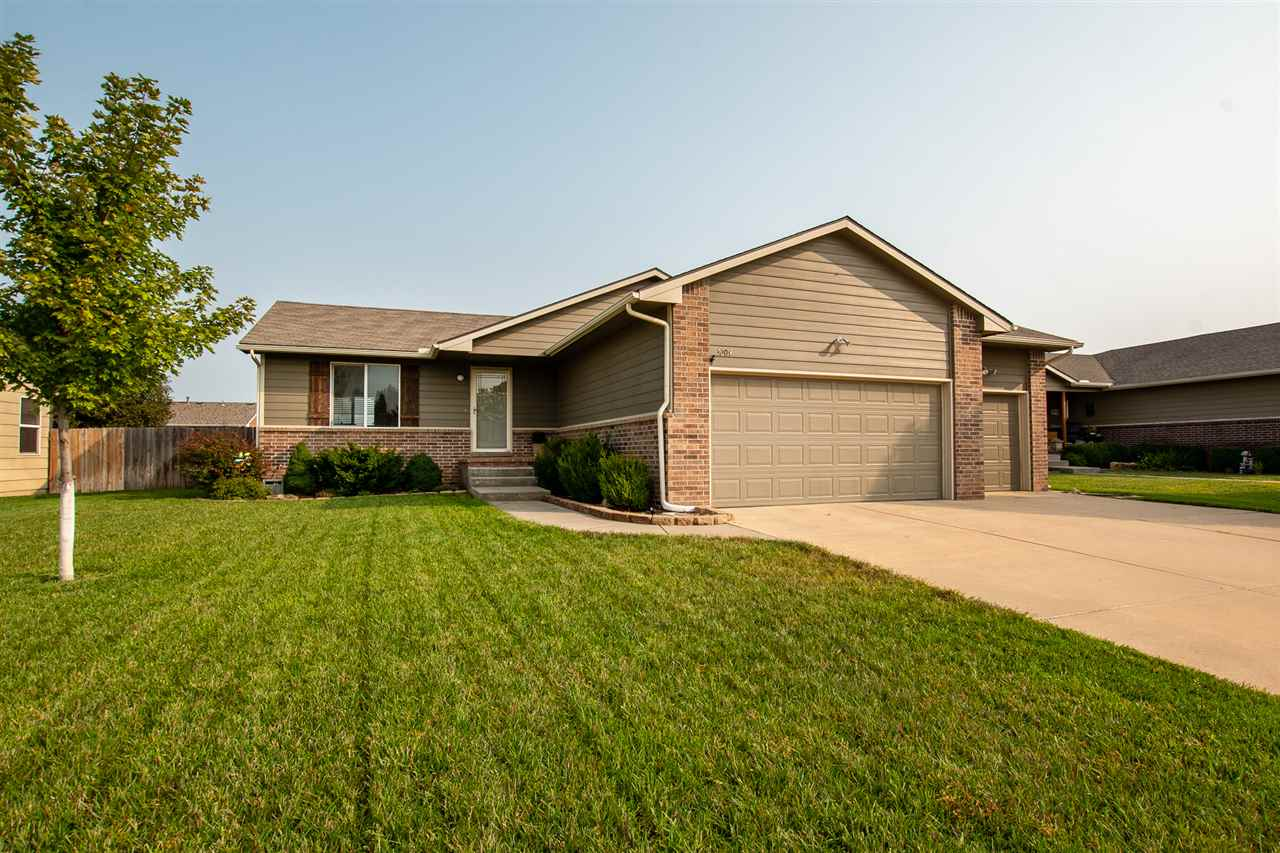 Terrific 3bed/3bath family home in Goddard Schools! Open floor-plan along with a newly finished base