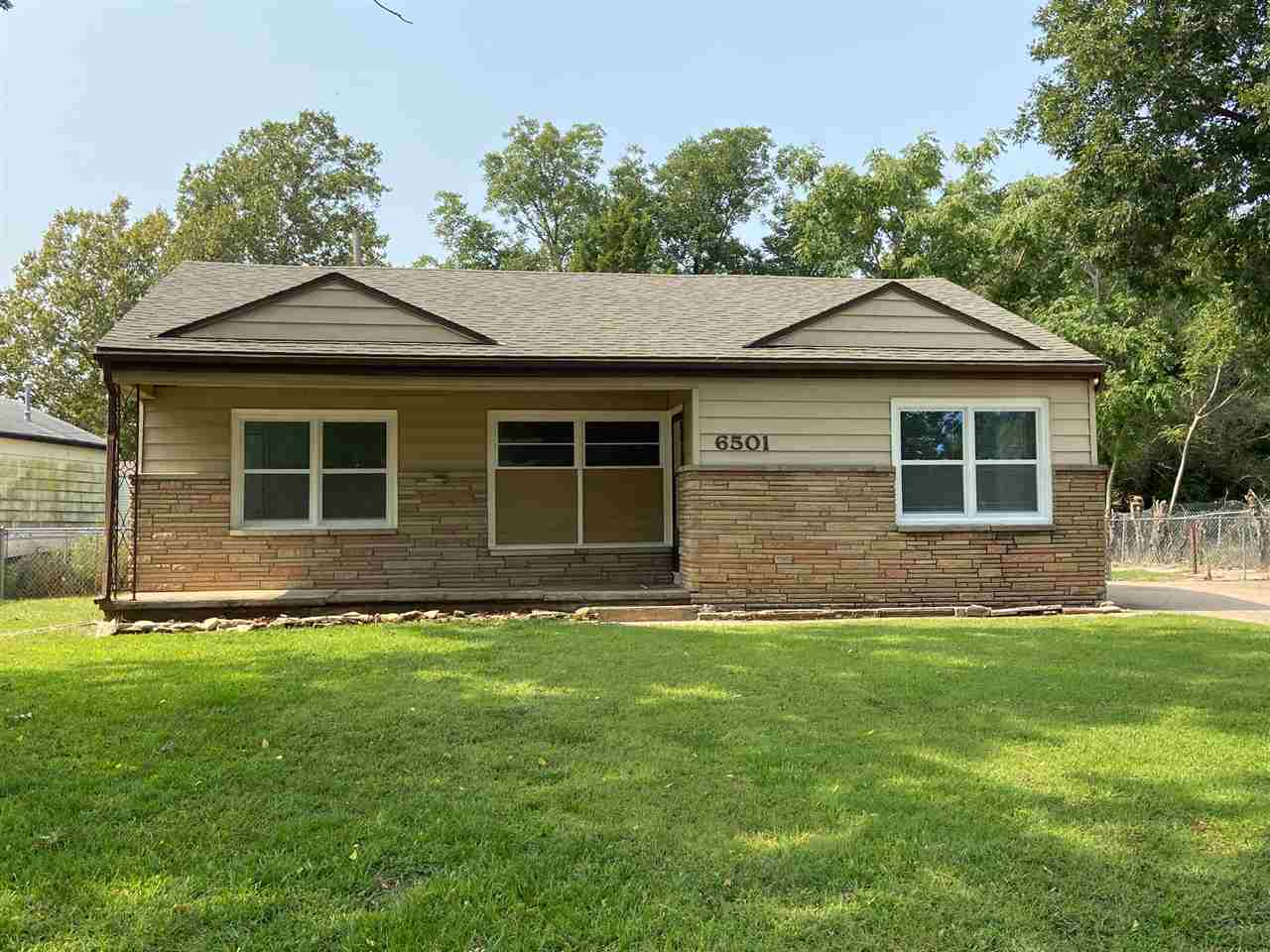 very nice home priced right good nieghbor hood must see this one