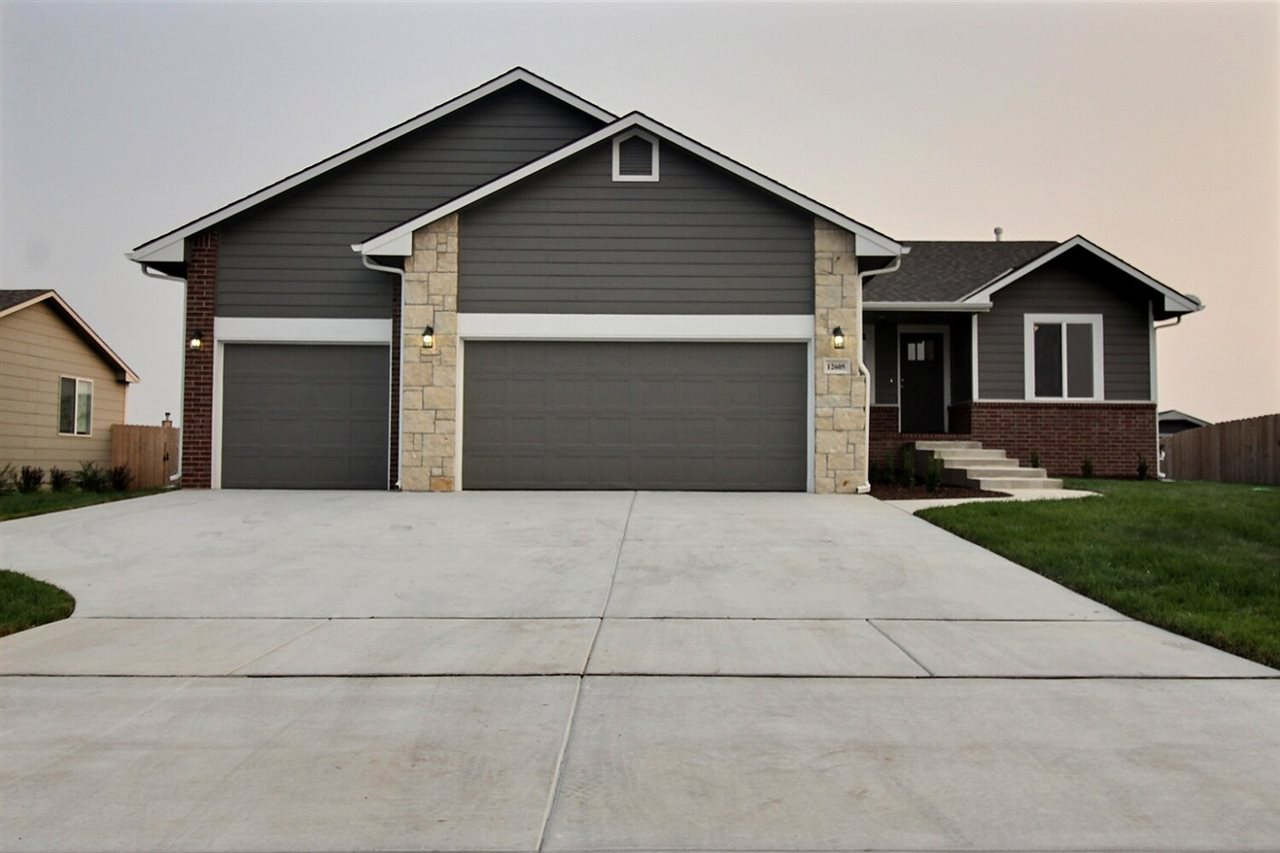 BRAND NEW house in a great subdivision, Goddard school district, this 5 bedrooms 3 bathrooms 3 car g