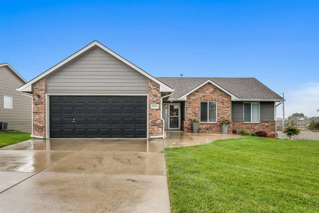 Maintenance free patio home located in beautiful Derby, Kansas.  HOA takes care of mowing, snow remo