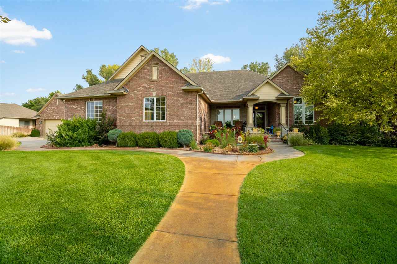 Marvelous Haysville home located in the quiet Timber Creek Estates neighborhood. This home offers an
