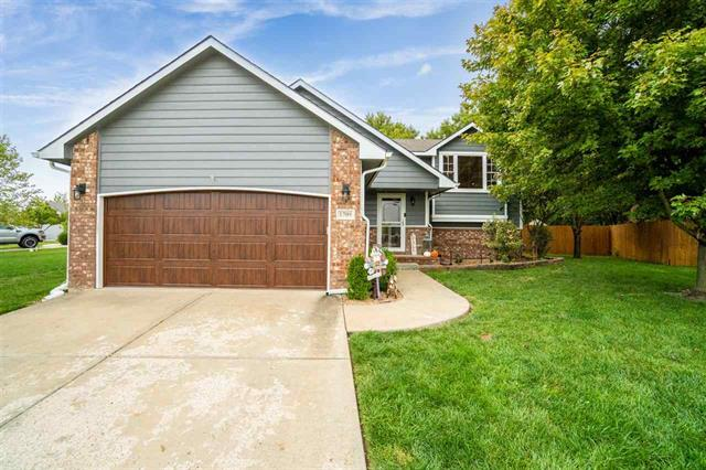 For Sale: 1709 N Hawthorn Ct, Andover KS