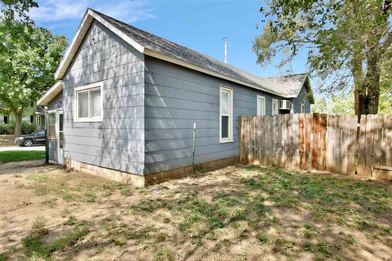 For Sale: 225 W 12th St, Newton KS