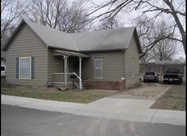 For Sale: 1128 N School St, Augusta KS