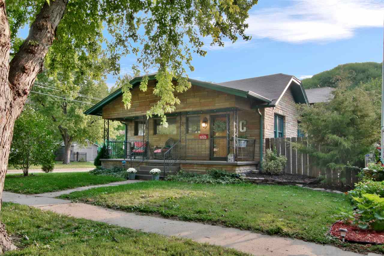 Riverside living at its finest! This 3 bedroom 2 bath bungalow on a corner lot has all the Riverside