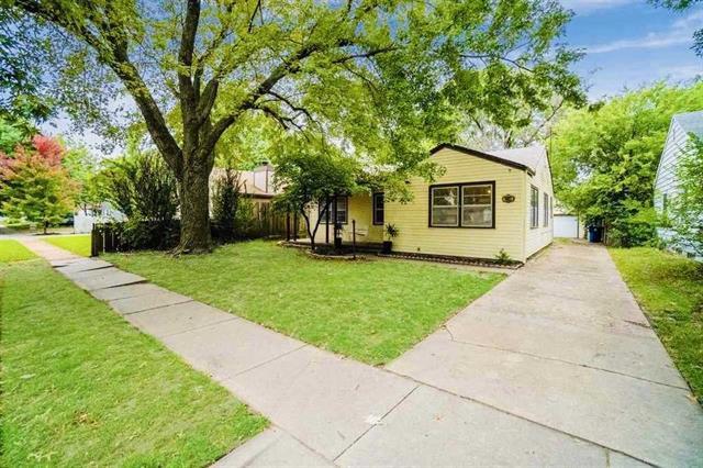 For Sale: 1647 N Jeanette Ave, Wichita KS