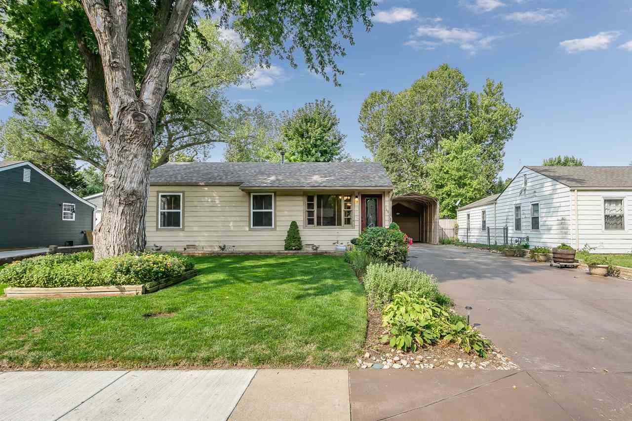 Don't miss out on this very well maintained home in a quiet, tree-lined neighborhood. Whether you ar