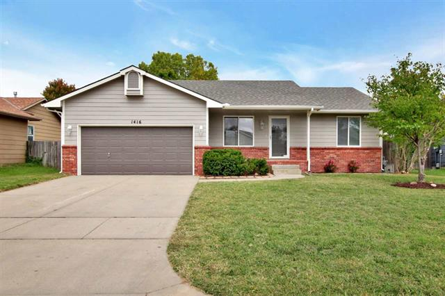 For Sale: 1416 E Hurley St, Haysville KS
