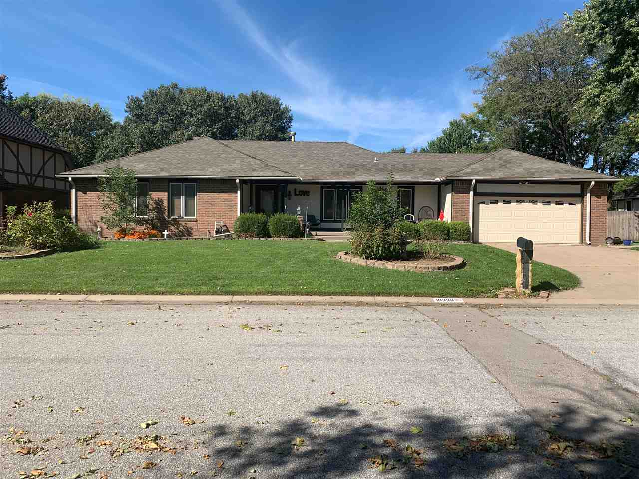 All brick ranch home located on a quiet cul-de-sac in Amarado Estates 2nd Addition.  With over 2700