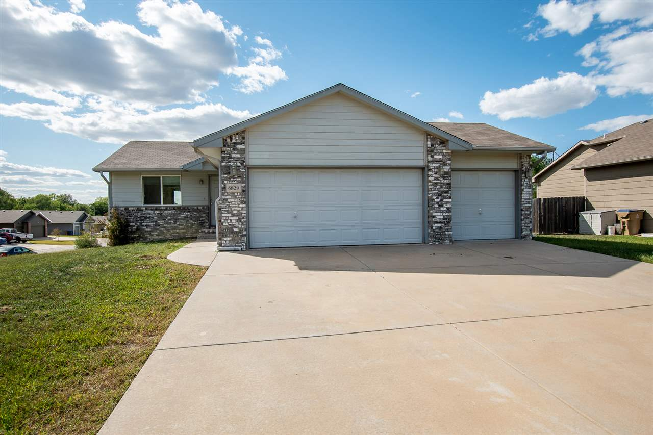Cute 3 bed 2 bath home in a great neighborhood in Valley Center school district. Home features an op