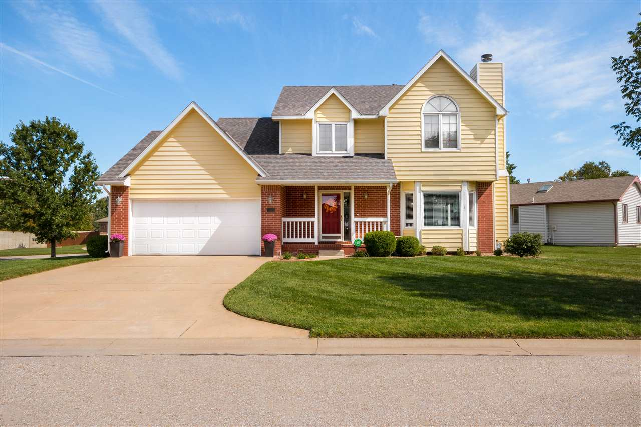 Come see this beautifully well kept, 2 story, 4 bedroom, 2.5 bath home in west Wichita and in the Ma