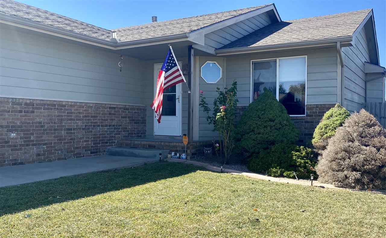 Wonderful Haysville Home 3 Bedrooms & 2 Baths.  Move in ready with neutral Paint through out.  Paint