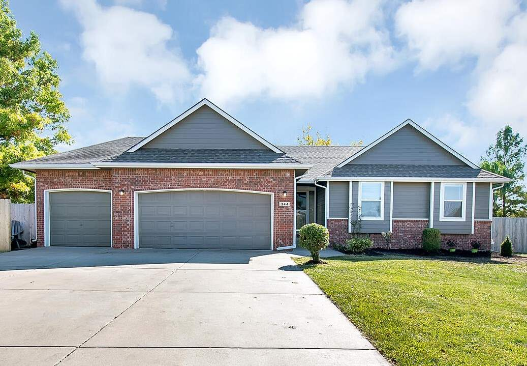 Beautifully updated home in the highly desired Andover Schools. Located on a cul-de-sac within walki