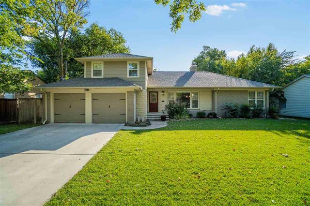 For Sale: 216 S PARKWOOD LN, Wichita KS
