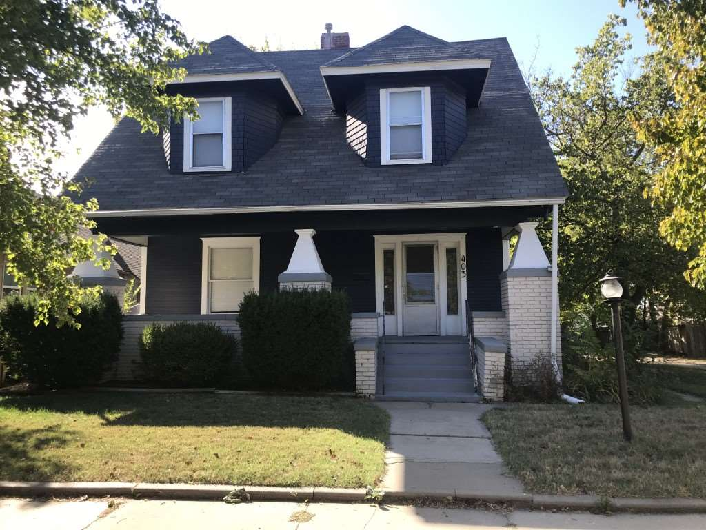 Charming College Hill 2 story features spacious rooms, wood floors upstairs, walk-in closet in master, excellent inviting front porch, main floor laundry, lots of built-ins, extra bonus room upstairs - could be office, study, sewing room - larger formal dining room! Great schools!