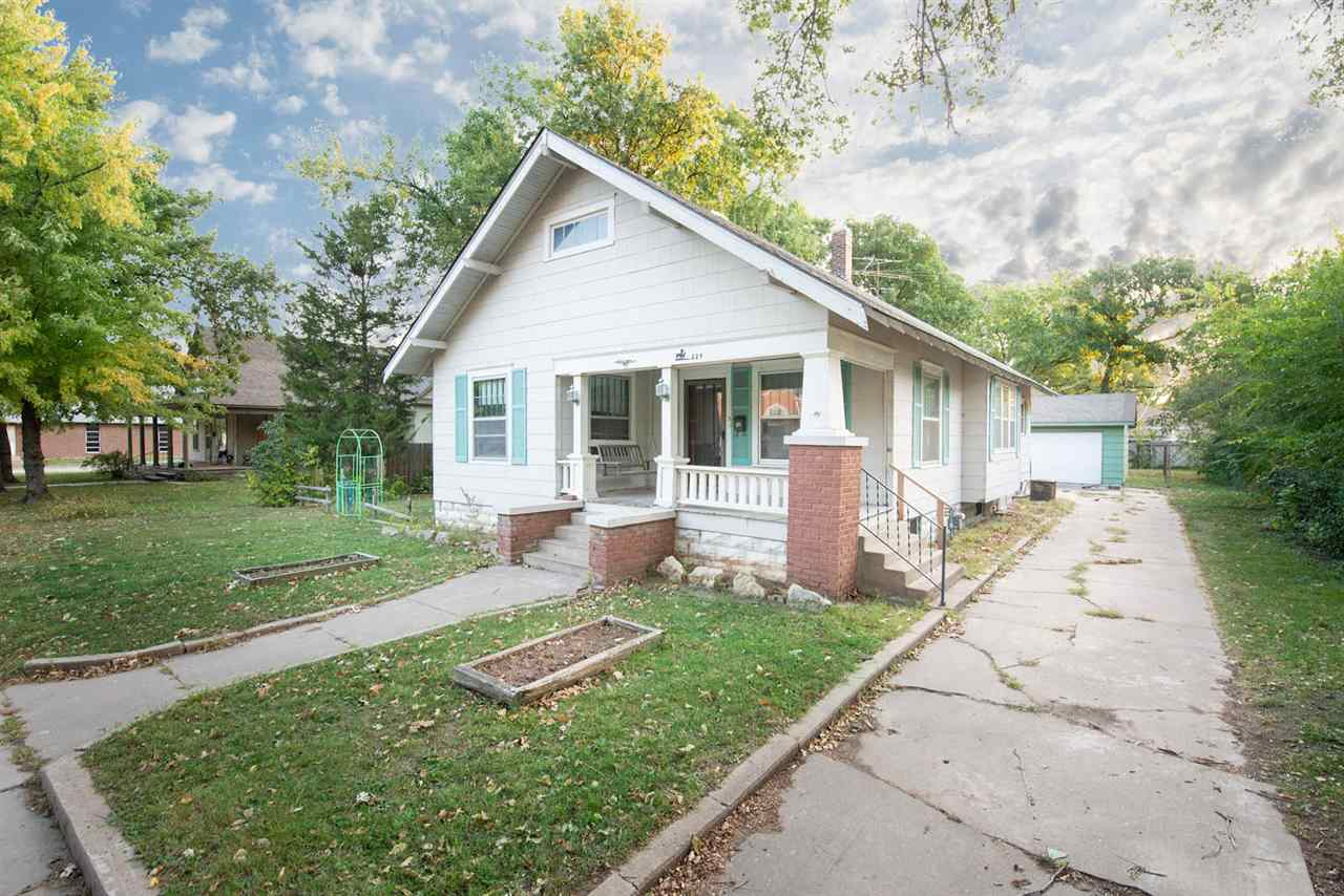 Bungalow in the heart of old Valley Center. Sits on the wide street of Ash. Home features charm, 230