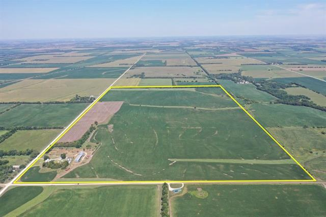 For Sale: 808  Old Mill Rd, Peabody KS