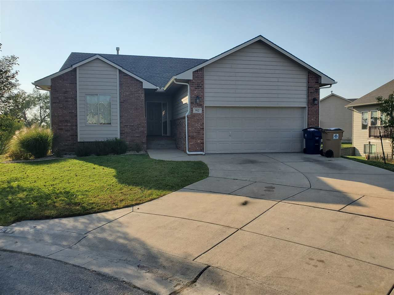 Wonderful home with great lake golf course view and large backyard.  This home has alot of square fo