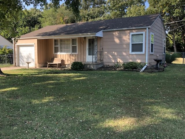 For Sale: 1304 W 9TH ST, Newton KS