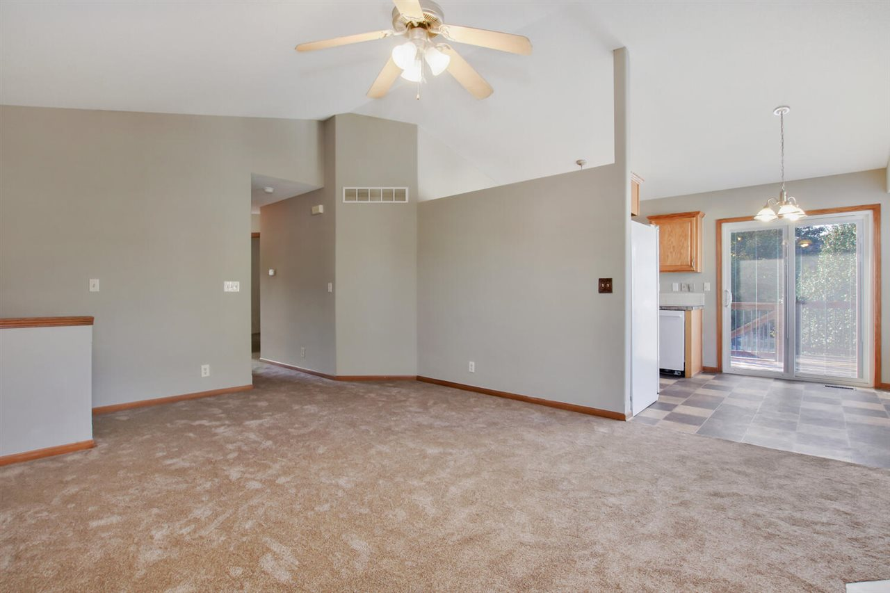 For Sale: 862 S Sunset Cir, Andover KS
