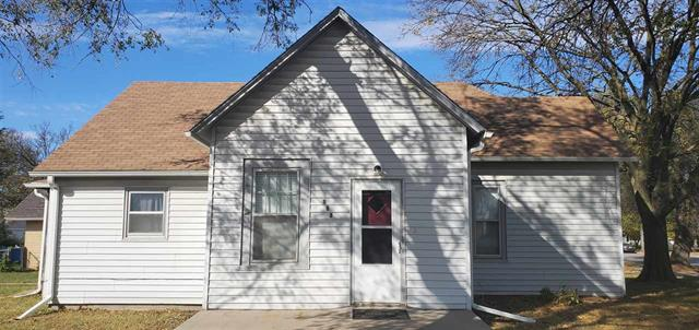 For Sale: 100 W Thornton St, Moundridge KS