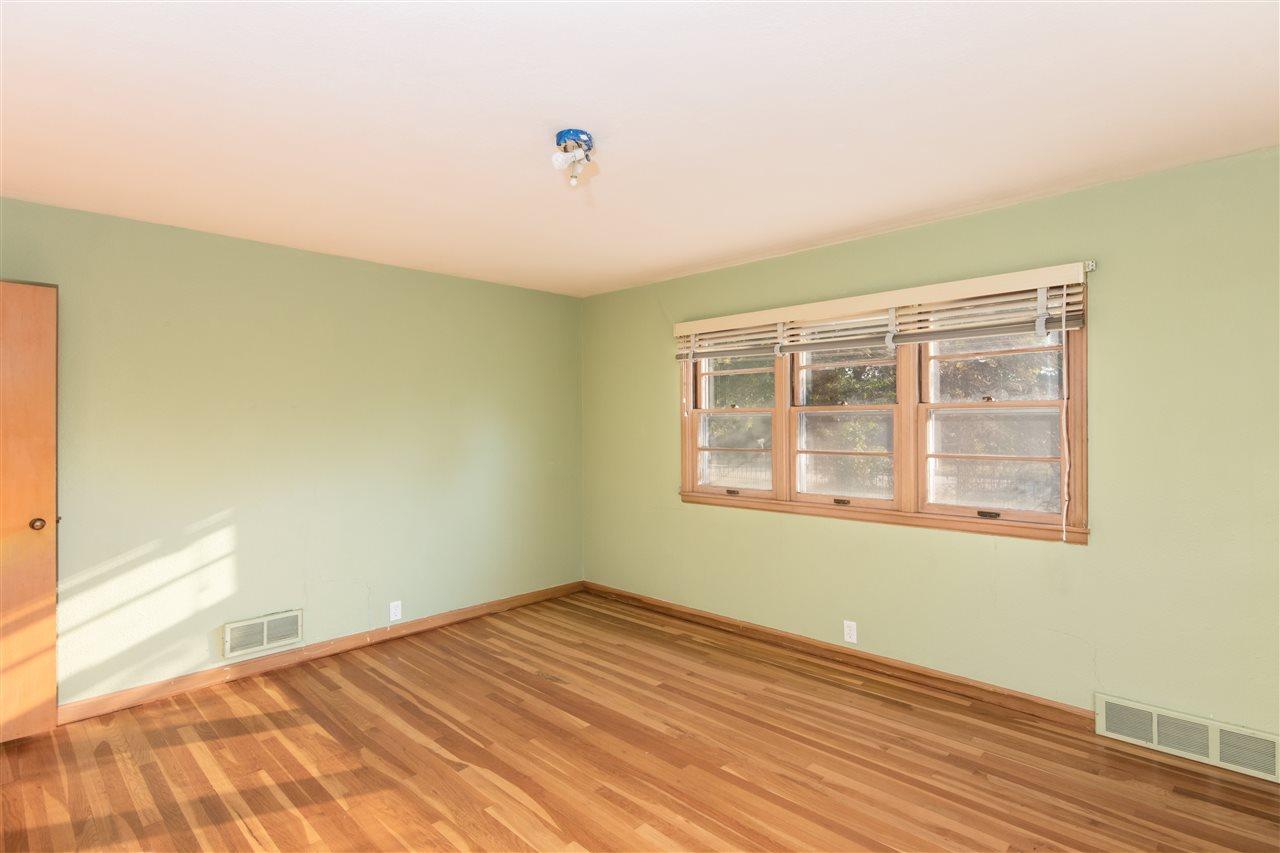 For Sale: 1020  Pine St, Harper KS