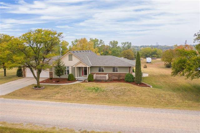 For Sale: 514 E 33rd St S, Wellington KS