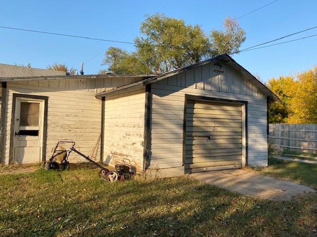 For Sale: 514 S Magnolia St, Newton KS