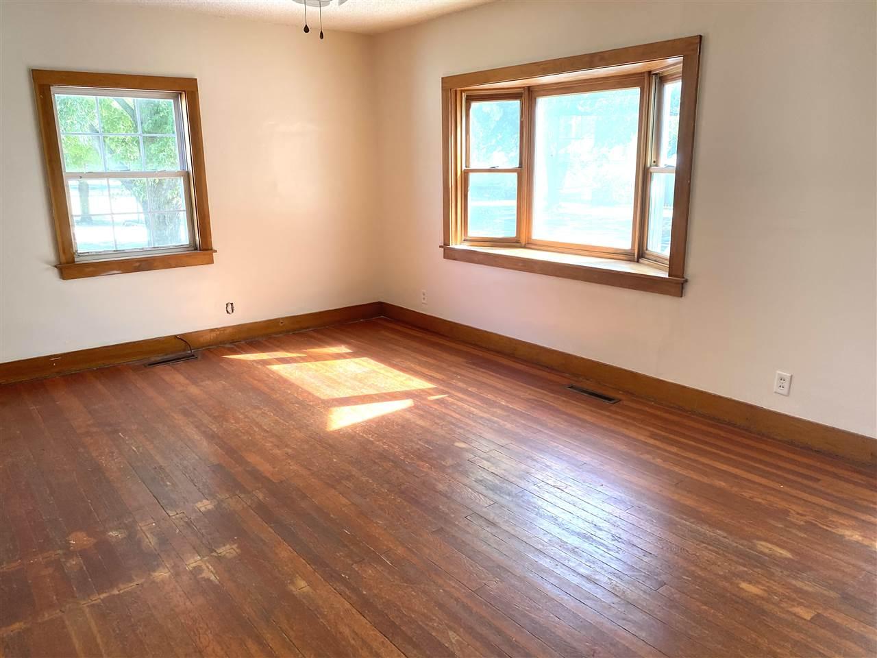 For Sale: 516 W Ninth St, Harper KS