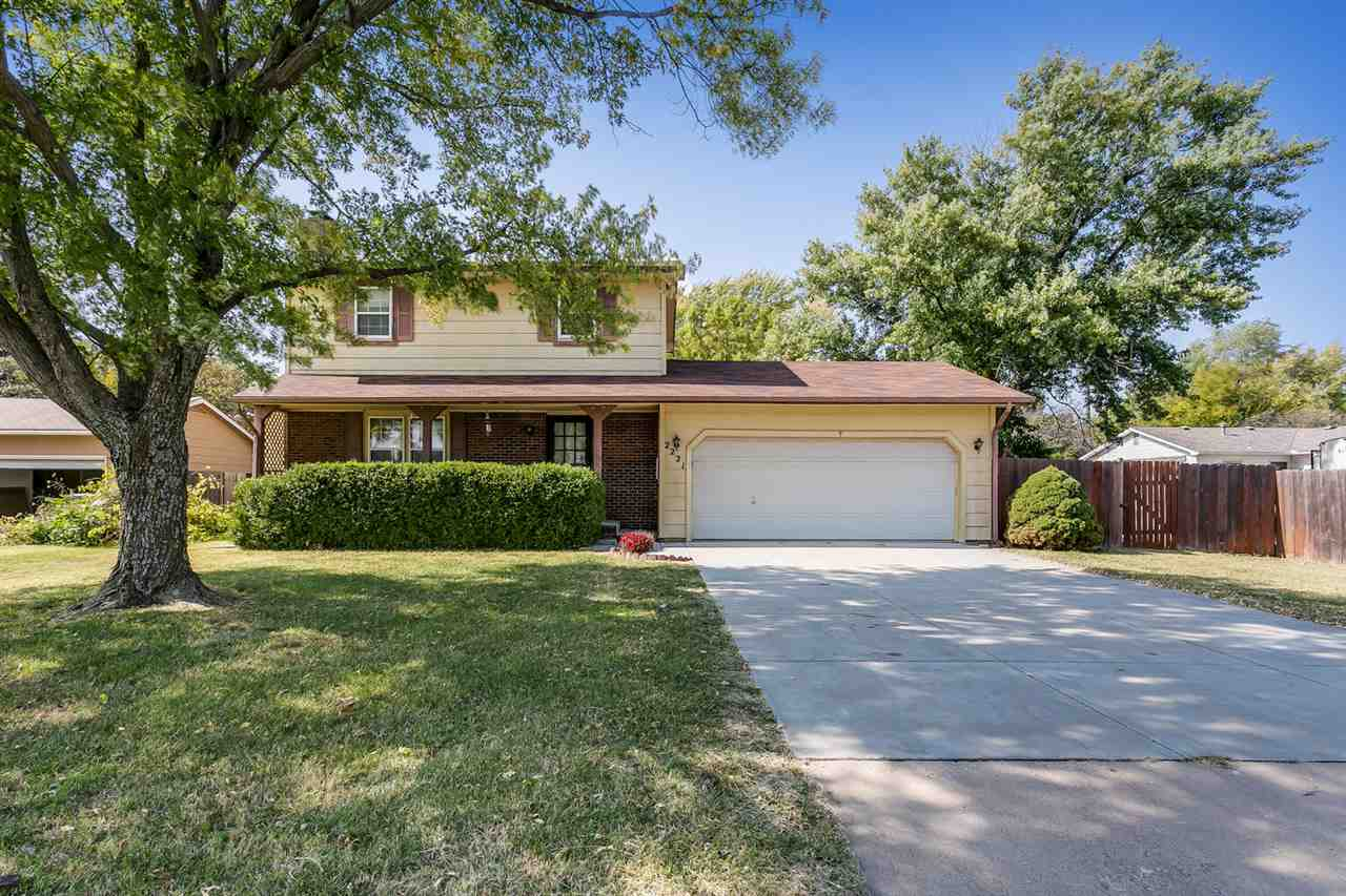 Stop by to check out this 3 bedroom 2 1/2 bath home located near Augusta High School.  As you enter