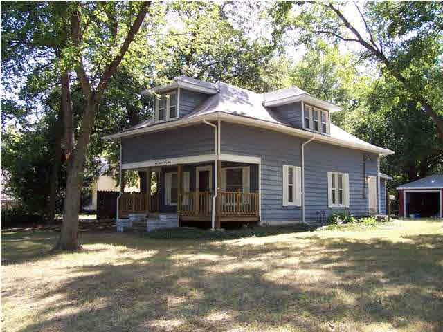 For Sale: 333 N 2nd Ave, Mulvane KS
