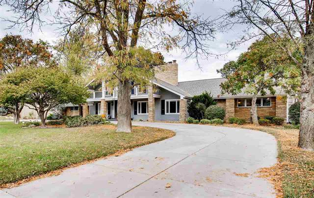 For Sale: 1020 E Lakecrest Dr, Andover KS