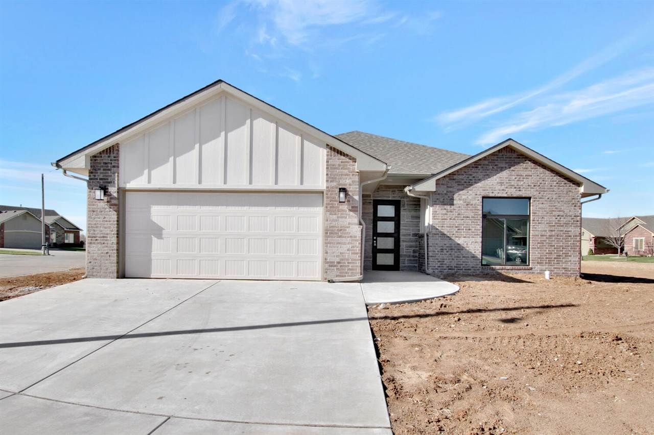 Be the first to call this zero entry & open floor plan home! Located in the highly sought after Godd