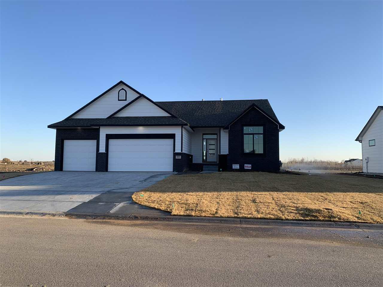 For Sale: 5811 Driftwood St, Wichita, KS, 67205,