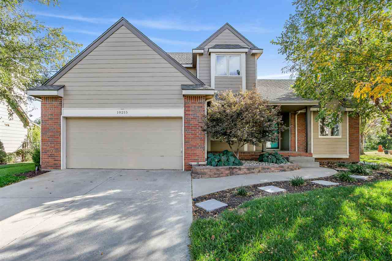 Welcome home to this wonderful 5 bedroom, 3.5 bath home, in the desirable Tallgrass East neighborhoo